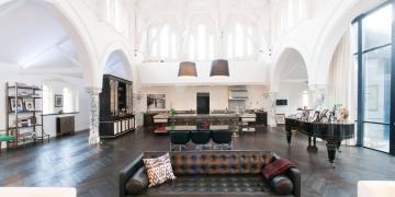 (ФОТО) Црква претворена во луксузен дом во центарот на Лондон
