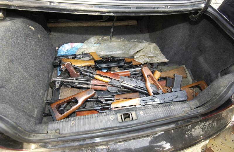 Цел арсенал на оружје пронајден во џип на кичевец