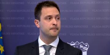 (Видео) Владата не е сериозна: Хрватски генерален секретар неочекувано на прес-конференција поднесе оставка