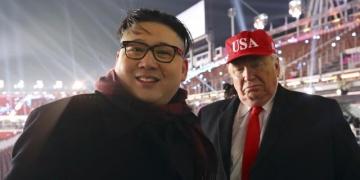 Двојниците на Трамп и Ким атракција на отворањето на Зимските олимписки игри