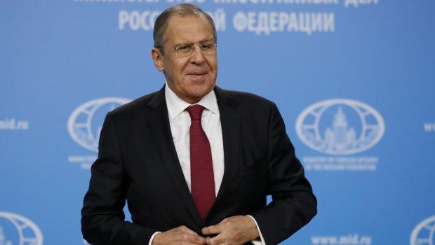 Рускиот министер за надворешни работи Лавров во еден миг стана германски министер