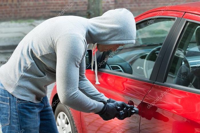 За 2 недели украдени 5 возила во Скопје, кој ги демне луксузните автомобили
