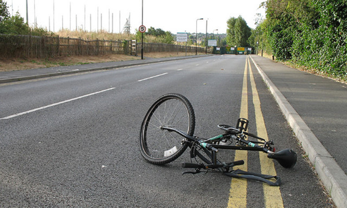 Автомобил удри велосипедист на патот Свети Николе-Овче Поле